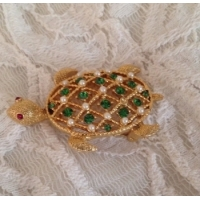 Gold Tone Vintage Turtle Brooch with Emerald color stones, small faux pearls and ruby red color eyes